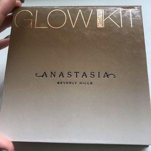 ANASTASIA BEVERLY HILLS Sun Dipped Glow Kit